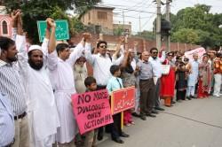 Ljudskim lancem štitili bogoslužje u Lahoreu